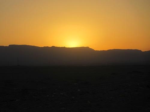 Zach�d s�o�ca nad pustyni�...